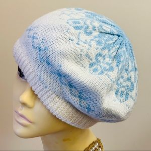 vintage 1970/80s knit beret blue and white